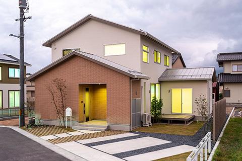 スタイリッシュデザインの機能的な住まい|米子市淀江町